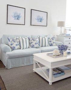 Gorgeous coastal living room decorating ideas (12)