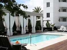 How to Swim in a Swanky Hotel Pool (Without Being a Guest) #Hotels-HowTo's