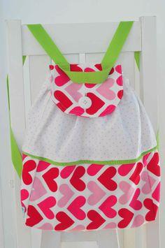 Accesorios para bebes - Su primer Mochilita. www.lorenzabasicos.com Baby, Fashion, Slip On, Hipster Stuff, Moda, La Mode, Newborns, Fasion, Infant