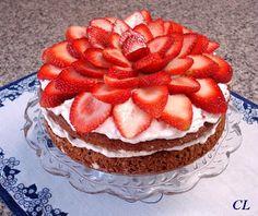 Magia na Cozinha: Torta de Chocolate com Morangos