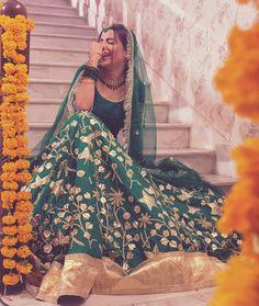 Wedding dresses vintage aline and wedding dresses a line elegant Pakistani Formal Dresses, Pakistani Bridal Wear, Pakistani Dress Design, Shadi Dresses, Pakistani Suits, Indian Bridal, Poofy Wedding Dress, Princess Wedding Dresses, Wedding Wear