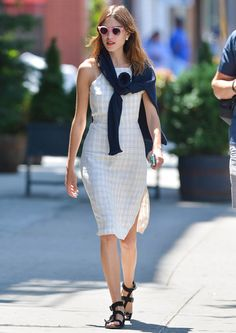 Alexa Chung's Wardrobe- How to Dress for Summer: warm weather doesn't mean you can't do smart