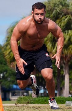 Hot Rugby Players, American Football Players, Hairy Legs Guys, Scruffy Men, Rugby Men, Hunks Men, Bear Men, Muscular Men, Athletic Men