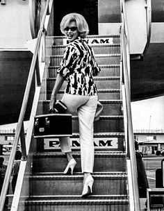 """Marilyn photographed at Miami International Airport ₍₁₉₆₂₎ """""""