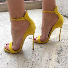 """ YELLOW Killer Heel   Mercedeh-Shoes store in Monaco/Cannes   AppStore Mercedeh Shoes  SHOP ONLINE www.mercedeh-shoes.com #highheels #heels…"""
