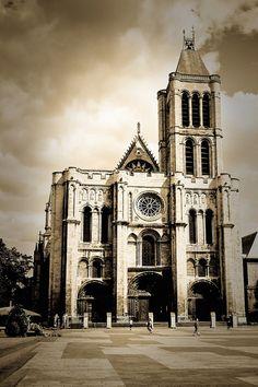 Greater Paris, Basilica of Saint Denis, 1 Place de la Légion d'Honneur, Saint Denis