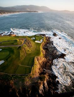 Golf Clubs Vintage This week the PGA Tour returns to Pebble Beach Golf Links, No. Golf Chipping Tips, Best Golf Clubs, Golf Tour, Golf Club Sets, Golf Training, Golf Lessons, Golf Humor, Pebble Beach, Golf Courses