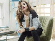 Behind the Scenes GIFs of Selena Gomez at the NEO Spring 2014 Photo Shoot