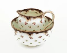 Antique Crown Staffordshire creamer and sugar bowl, hand painted pattern with roses and leaves, 1906 - 1930 by CardCurios on Etsy Vintage High Tea, Sugar Bowls And Creamers, Painting Patterns, Bone China, Pink Roses, Leaves, Hand Painted, Crown, Antiques
