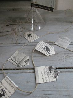 Idea: text background for tag and various solid coloured Sillouettes, string colour to match Sillouette Paper Bunting, Christmas Crafts, Xmas, Text Background, Small Gifts, Decoration, Gift Tags, Projects To Try, Paper Crafts