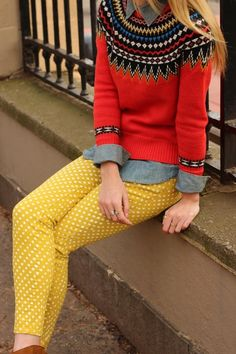 bold pattern w/ layers and polka dots! Love this, even though I can't pull off yellow bottoms without looking naked!