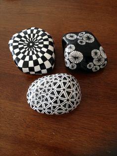 Black and white designs www.metteshobby.dk