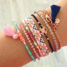 The best DIY projects & DIY ideas and tutorials: sewing, paper craft, DIY. Seed Bead Jewelry, Boho Jewelry, Jewelry Crafts, Beaded Jewelry, Jewelry Accessories, Handmade Jewelry, Jewelry Design, Jewelry Ideas, Bead Loom Bracelets
