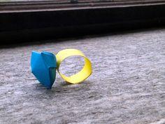 Regali per la mamma: l'anello con diamante di carta http://www.piccolini.it/post/634/regali-per-la-mamma-l-anello-con-diamante-di-carta/
