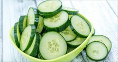 7 Days – 7 Kg Less (Cucumber Diet) The cucumbers are amazing vegetables. They are packed with nutrients and health benefits. Cucumbers contain vitamins and minerals. Cucumber Canning, Cucumber Salad, Cucumber Benefits, Go For It, Healthy Vegetables, Calories, Vitamins And Minerals, Health Diet, Healthy Life