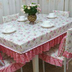 I Like the fitted tablecloth design
