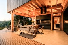Image 17 of 34 from gallery of Las Escaleras Country House / Prado Arquitectos. Photograph by Daniel Pinilla Prado, Home Interior Design, Interior And Exterior, Interior Decorating, Decorating Ideas, Wood Truss, Chile, Roof Trusses, Timber House