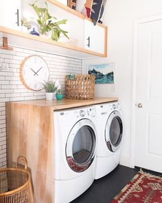 Best 20 Laundry Room Makeovers - Organization and Home Decor Laundry room decor Small laundry room organization Laundry closet ideas Laundry room storage Stackable washer dryer laundry room Small laundry room makeover A Budget Sink Load Clothes Modern Laundry Rooms, Laundry In Bathroom, Laundry Closet, Basement Laundry, Laundry Area, Laundry Tips, Garage Laundry, Laundry Drying, Laundry Room Countertop