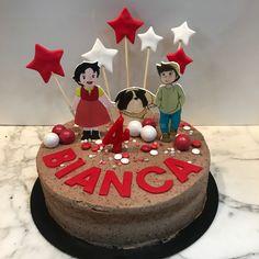 Tarta oreo Heidi y estrellitas. Birthday Cake, Desserts, Food, Fondant Cakes, Lolly Cake, Homemade Recipe, Candy Stations, Homemade, Recipes