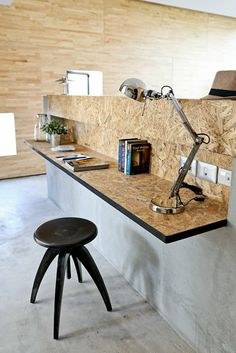 Modern Office Modern use of particle board - home office desk. Worktop in panels . Modern Office Desk, Home Office Desks, Home Office Furniture, Office Decor, Furniture Design, Industrial Office, Small Office, Refurbished Furniture, Modern Industrial