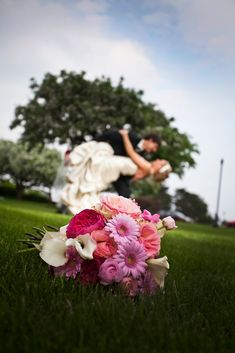 wedding photography - wedding bouquet - love this!