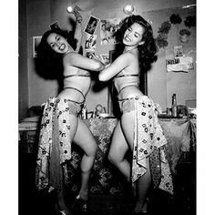 """the mexican """"Dolly Sisters"""", 1950 by Nacho Lopez. Aka- sophie and I ! Burlesque Vintage, Nachos, Vintage Photography, Fashion Photography, Mexico People, Dolly Sisters, Pin Up, Ziegfeld Follies, Showgirls"""