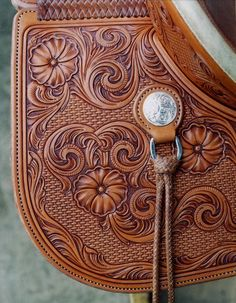 Keith Valley Saddles are made one at a time & to the tightest standards in the saddle making trade, but more than that, their using cowboy gear where Keith's Unique leather carving captures our true western heritage. Leather Stamps, Leather Art, Saddle Leather, Custom Leather, Leather Design, Custom Belts, Tooled Leather, Leather Tooling Patterns, Leather Pattern