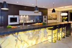 Modern Luxury Kitchen Design – TheCubicleViews - Heather B. - - Modern Luxury Kitchen Design – TheCubicleViews - Heather B. Kitchen Design Color, Marble Kitchen Island, Contemporary Kitchen, Countertop Design, Best Kitchen Designs, Kitchen Island Design, Kitchen Marble, Kitchen Interior, Interior Design Kitchen