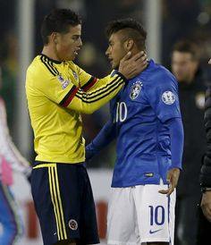 BRASIL VS. COLOMBIA 17.6.15 Neymar lost it, James trying to calm him down. James Rodriguez, Good Soccer Players, Football Players, Fifa, Neymar Pic, Chile, Baseball Training, Football Soccer, Beautiful Moments
