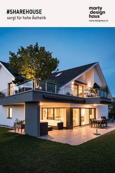 Die moderne Architektursprache von #SHAREHOUSE sorgt für Komfort auf allen Ebenen. Style At Home, Komfort, Interior Ideas, Loft, Inspiration, Mansions, Luxury, House Styles, Design