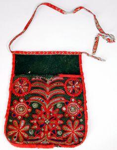 """embroidered """"dräktväskor"""", belonging to the traditional """"folkdräkt"""" or """"daladräkt"""" in Dalarna."""