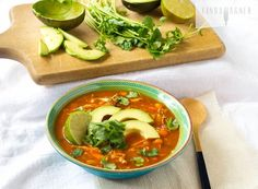 Paleo Chicken Tortilla Soup via Linda Wagner - Healthy eating is so much fun when you can eat amazing dishes like this one! Best Paleo Recipes, Real Food Recipes, Soup Recipes, Cooking Recipes, Diet Recipes, Paleo Soup, Chicken Tortilla Soup, Chicken Soup, How To Eat Paleo