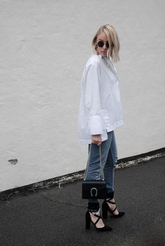 ALL ABOUT THE SLEEVES Neon Rose Shirt, Monki jeans, Windsor Smith, Gucci Dionysus, Minimal outfit Street style Bykrog Cecilie Krog