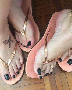 """Gefällt 127 Mal, 2 Kommentare - + Pezinhos do IG 👣 (@maispezinhosdoig) auf Instagram: """"@iarabelospes #feet #feets #footmodel #prettyfeet #delicatefeet #beautifulfeet #wonderfulfeet…"""""""