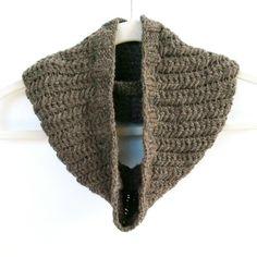 Spine Rib Cowl free pattern.