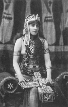 Lillie Langtry as Cleopatra