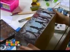 Stencil OPA - 29/07/14 - Mayumi Takushi - Caixa Londres Texturizada - YouTube Bottle Painting, Bottle Art, Stencil Opa, Diy And Crafts, Arts And Crafts, Painted Wine Bottles, Decorated Bottles, Decoupage Tutorial, Pantry Labels
