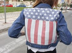 """Rocio of """"Una Chica Zara"""" rockin' UO's American Dreams denim jacket #urbanoutfitters #america"""