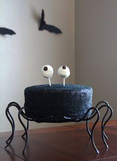 This Spider Cake recipe is SO clever.