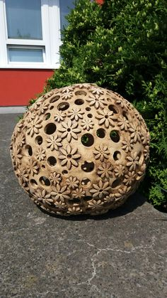 Sculptures Céramiques, Sculpture Art, Plastic Bottle Crafts, Paperclay, Gourd Art, Entry Doors, Diy And Crafts, Carving, Pottery