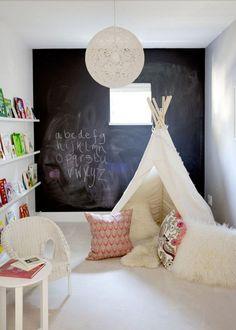 Un tipi comme un espace de jeu , kids design, un tipi chez soi