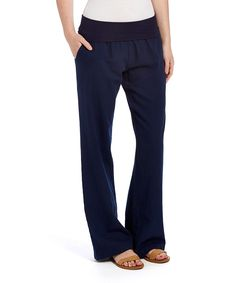 A soft, smooth linen-cotton blend promises all-day, lightweight comfort with effortless polish in these classic trousers.Size : 31'' inseam55% linen / 45% cottonMachine wash; tumble dryImported