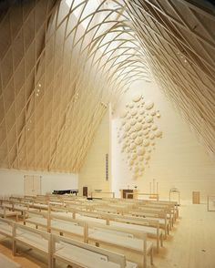 Look at that roof! Like something out of LotR. A lovely use of natural light and form.   Kuokkala Church. Jyväskyla, Finland
