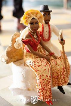 cake africa - Beautiful Nigerian cake topper. African Wedding Cakes, African Wedding Theme, Traditional Wedding Decor, African Traditional Wedding, Beautiful Wedding Cakes, Beautiful Cakes, African American Weddings, African Weddings, Africa Cake