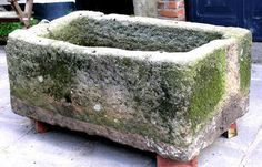 Large Stone trough with mossy accents. Easy DIY Hypertufa Projects The Garden Glove Concrete Crafts, Concrete Art, Concrete Garden, Concrete Projects, Outdoor Projects, Concrete Leaves, Garden Crafts, Garden Projects, Garden Art