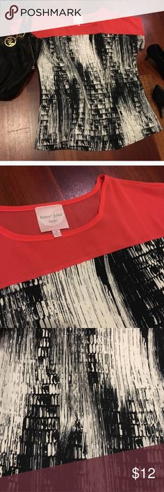 Romeo and Juliet Couture Top Excellent condition. Coral is a chiffon material Romeo & Juliet Couture Tops Blouses