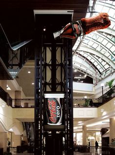 Coca Cola Zero. #elevador #creatividad #advertising #mall #drinks #CocaCola