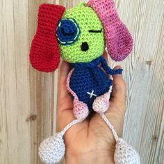 Petit  chien oreille rouge, bijou de sac ou porte clé en crochet