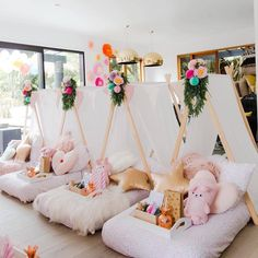 Oh my gawd! We're so in love with this cuuute kids party set up by with teepees supplied by 😍 xx . Birthday Sleepover Ideas, Sleepover Room, 13th Birthday Parties, Birthday Party For Teens, Slumber Parties, Slumber Party Ideas, Teen Parties, Sleepover Activities, 12th Birthday
