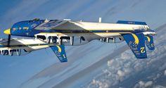 """PRESSE : LA PATROUILLE """"CARTOUCHE DORÉE"""" Moins médiatique que sa « grande sœur », la Patrouille de France, la formation aérienne acrobatique « Cartouche Doré » s'illustre néanmoins aux quatre coins de l'Hexagone depuis deux décennies. Plus de 600 meetings aériens, 12 000 heures de vol, 37 leaders et équipiers pilotes. Une unité ambassadrice de l'armée de l'Air méconnue mais assurément singulière."""